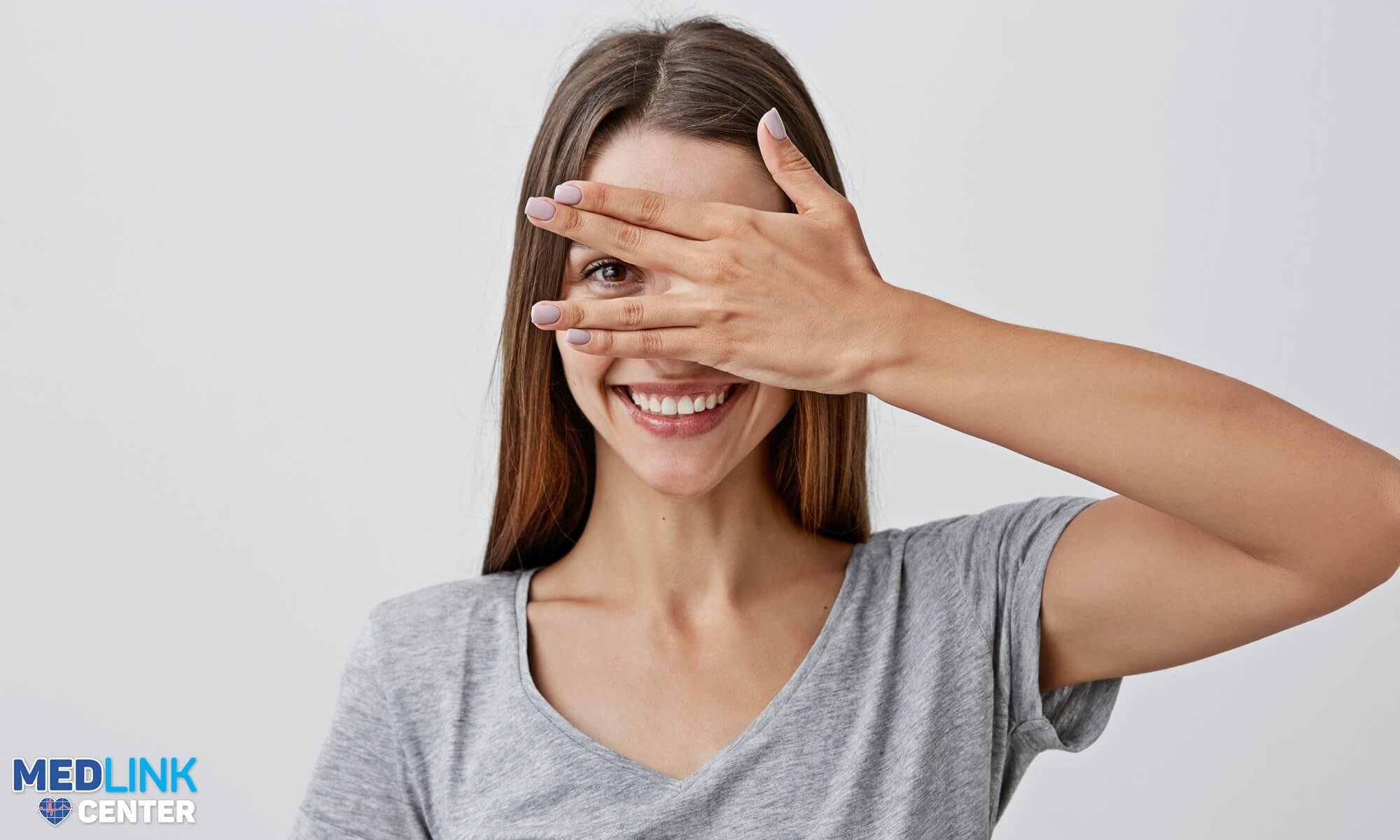 Acid hialuronic: corectarea rezultatelor în zona ochilor