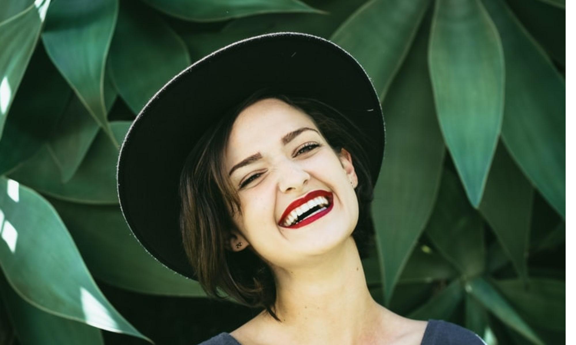 Ridurile zâmbetului riduri laba gâștii
